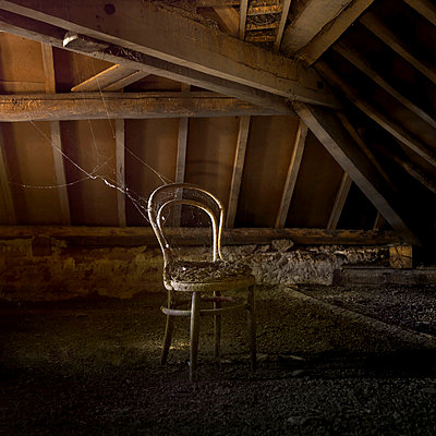 Old chair in an attic - p813m900249 by B.Jaubert