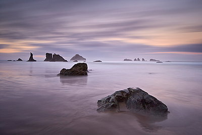 Rocks and sea stacks at dawn, Bandon Beach, Oregon, United States of America, North America - p871m929682f by James Hager