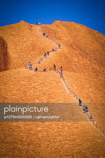 Australien Heiliger Ort Ayers Rock Uluru - p1275m2032066 von cgimanufaktur