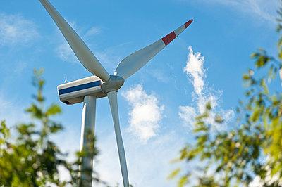 Wind turbine - p1079m1042146 by Ulrich Mertens