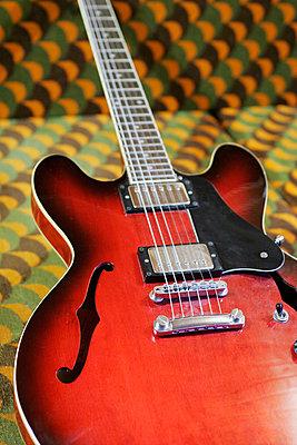 E-guitar - p1650432 by Andrea Schoenrock