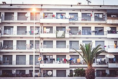 Mietshaus in Agadir - p1150m1111213 von Elise Ortiou Campion