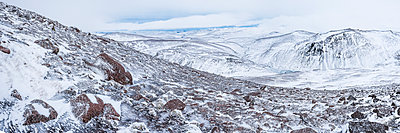 CairnGorm Mountain covered in snow in winter, Cairngorms National Park, Scotland, United Kingdom, Europe - p871m1499849 by Matthew Williams-Ellis