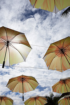 Umbrellas as decoration - p304m1219337 by R. Wolf