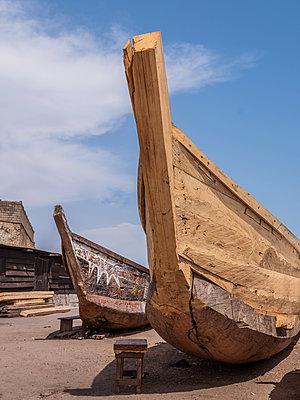 Traditionelles Holzboot - p390m1586509 von Frank Herfort