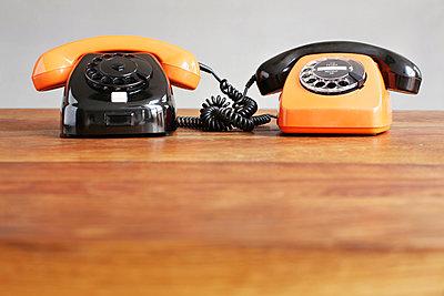 Telefon mit Wählscheibe - p214m1000366 von hasengold