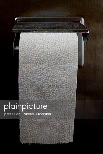 Toilet paper - p7690035 by Nicolai Froehlich