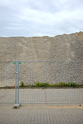 Construction site - p1143m931570 by Winkel-Blackmore