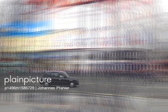 Taxi_3 - p1496m1586729 von Johannes Pfahler