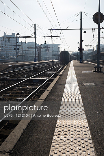 Train station - p378m1212104 by Antoine Boureau