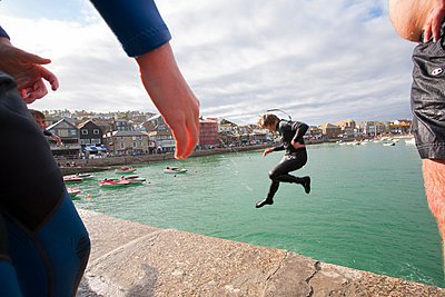 Sprung ins Wasser - p1197m1060159 von Stefan Bungert