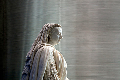 Marble statue of Queen Victoria - p3883002 by Michele Panzeri
