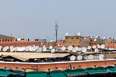 Sattelite dishes in Marrakesh - p6120223 by Pierre c.