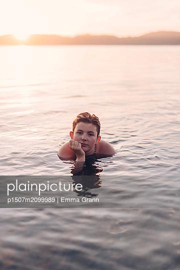 p1507m2099989 by Emma Grann