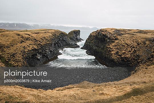 Iceland, coast - p300m2003879 von Kike Arnaiz