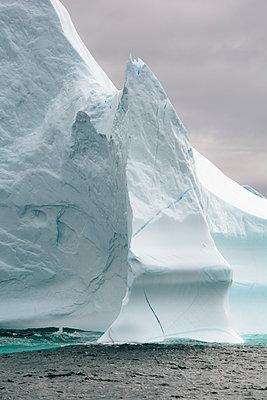 Eisberg - Melville Bay - p1486m2082911 von LUXart