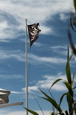 Piratenflagge - p600m2076861 von Laura Stevens