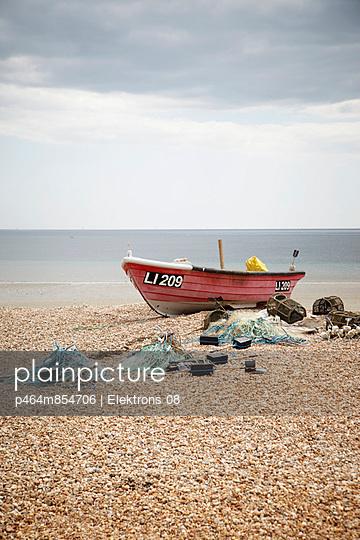 Fishing boat - p464m854706 by Elektrons 08