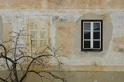Window - p2350825 by KuS