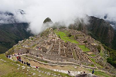 Ruinenstadt Machu Picchu - p590m1225723 von Philippe Dureuil
