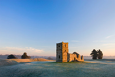 The ruins of Knowlton Church on a frosty winter morning - p8714107 by Adam Burton