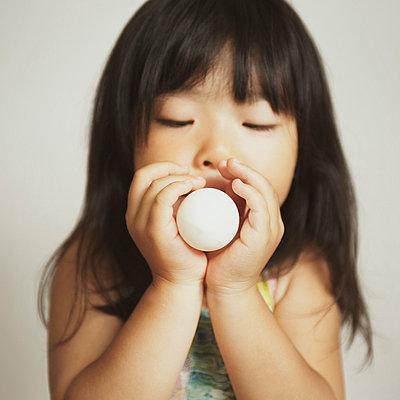 Blowing chewing gum - p5000166 by Yumiko Kinoshita
