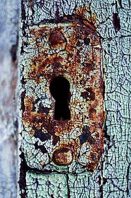 Keyhole - p1003m735427 by Terje Rakke