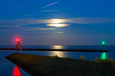 Moonlight over the Wadden sea, Workum, Friesland, Netherlands, Europe - p429m1513641 by Mischa Keijser