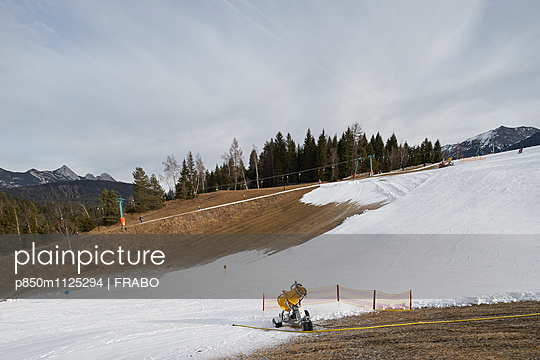Snow machine - p850m1125294 by FRABO