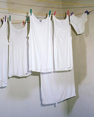Weiße Wäsche - p2370126 von Thordis Rüggeberg