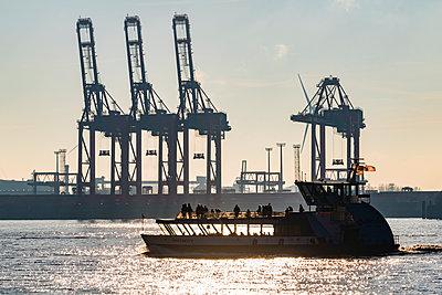Hafenfähre - p488m2045565 von Bias