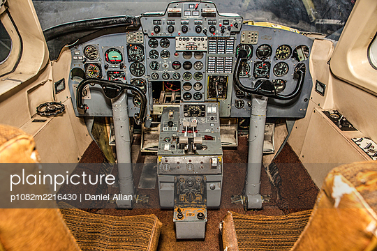 Cockpit - p1082m2216430 by Daniel Allan