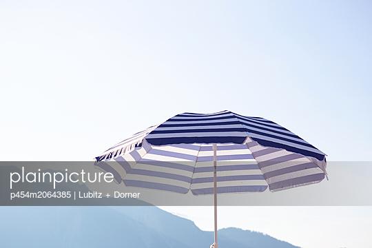 Blau - p454m2064385 von Lubitz + Dorner