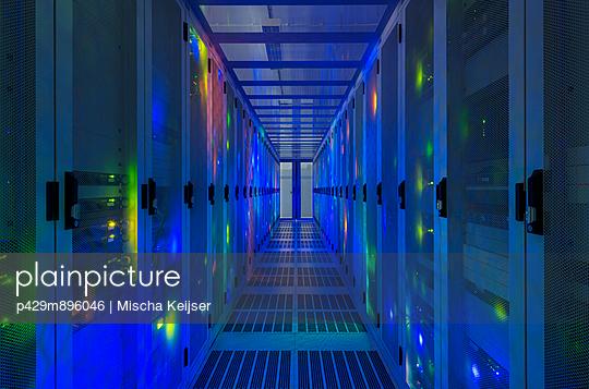 Data storage in data warehouse - p429m896046 by Mischa Keijser
