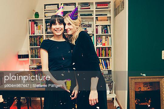 Party - p904m987447 von Stefanie Päffgen