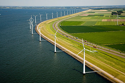 Wind power along the highway I - p1120m899971 by Siebe Swart
