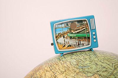 Miniature tv - p1650878 by Andrea Schoenrock