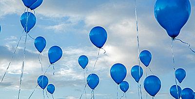 Fliegende Luftballons - p1330m1170984 von Caterina Rancho