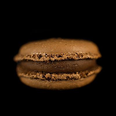 Fast Food, single burger - p1366m2260593 by anne schubert