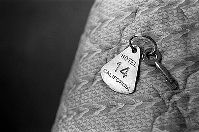 Room key in a hotel, USA - p1481m2210501 by Peo Olsson
