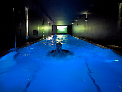 Indoors swimming pool - p534m2115747 by Susanna Ferran Vila