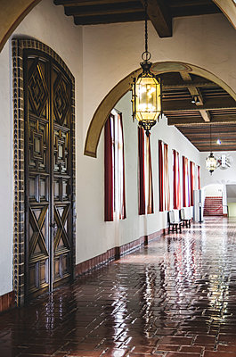 Corridor, Santa Barbara County Courthouse, California, USA - p694m1175516 by Eric Schwortz