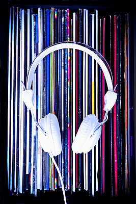 Records and headphone - p1149m2021210 by Yvonne Röder