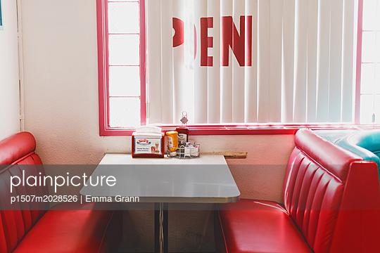 Amerikanisches Diner - p1507m2028526 von Emma Grann