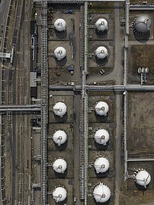 Storage tanks - p356m822669 by Stephan Zirwes