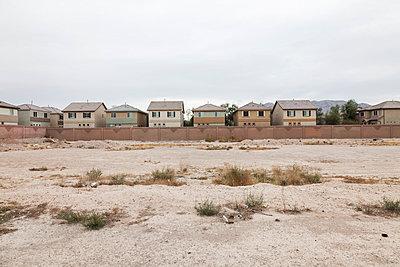 Wohnhäuser in Las Vegas - p834m885726 von Jakob Börner