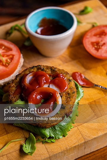Vegan Burger - p1655m2233654 by lindsay basson