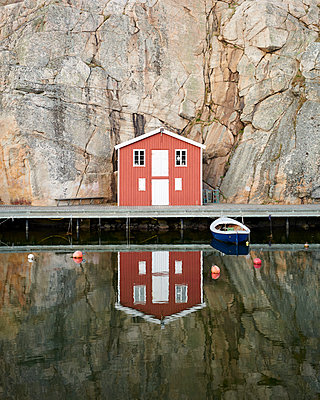 Boathouse - p1124m1133224 by Willing-Holtz