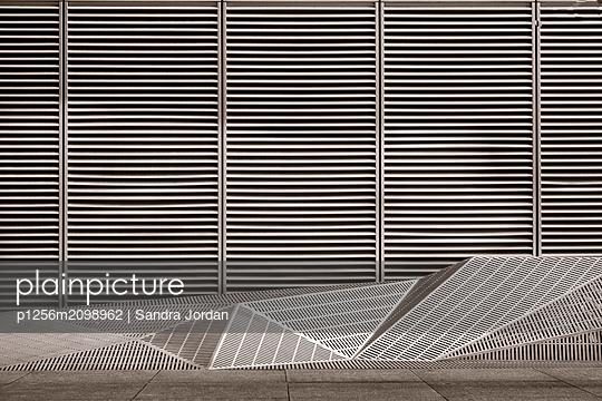 Fassade - p1256m2098962 von Sandra Jordan