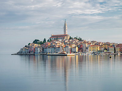 Early morning, Old Town reflections, Rovinj, Istria, Croatia - p871m2143244 by Jean Brooks